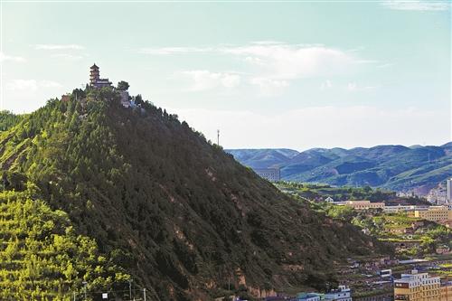 笔架山——清涧县城的一道天然屏障